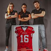 Marketing-Team mit Trikot der Calanda Broncos